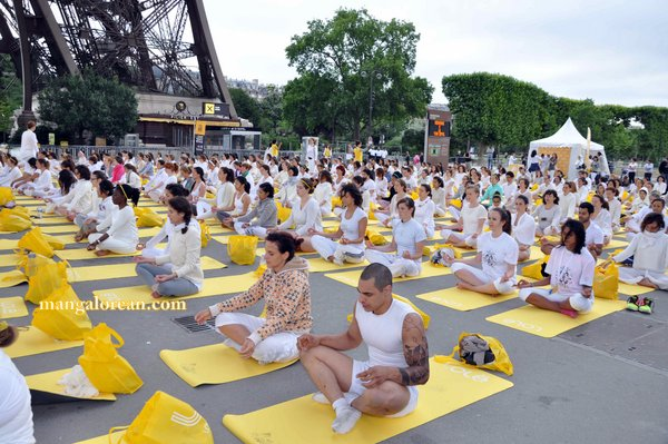 International-Yoga-Day-Celebrated-at- Eiffel-Tower