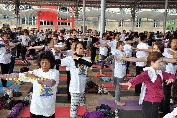 International-Yoga-Day-Celebrated-at-Grand-Halle-de-la-Villette 1