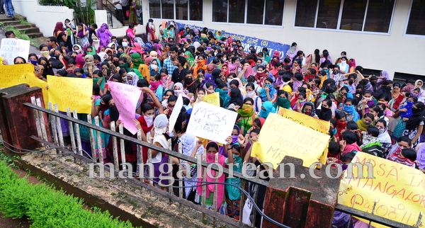 Laxmi_memorial_protest-001