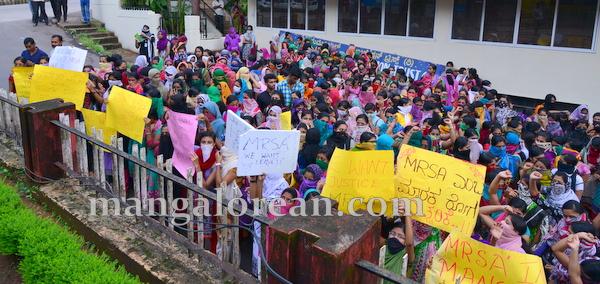 Laxmi_memorial_protest-002