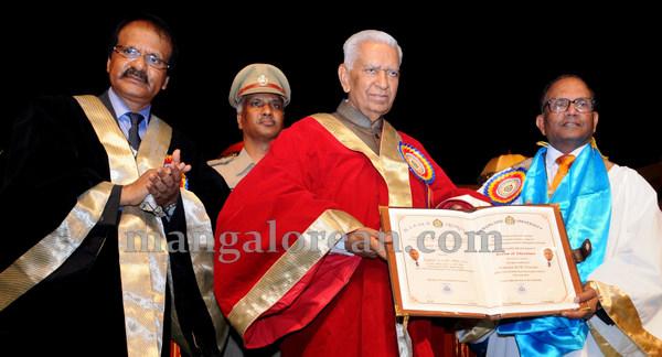 Mangalore_University_33rd_convocation-005