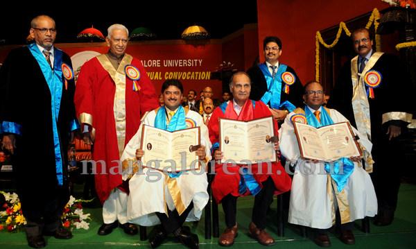 Mangalore_University_33rd_convocation-006