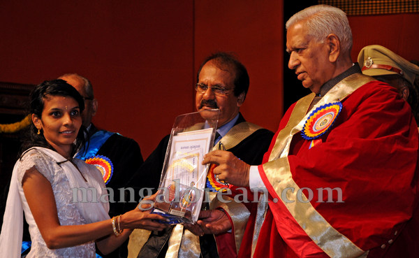Mangalore_University_33rd_convocation-008