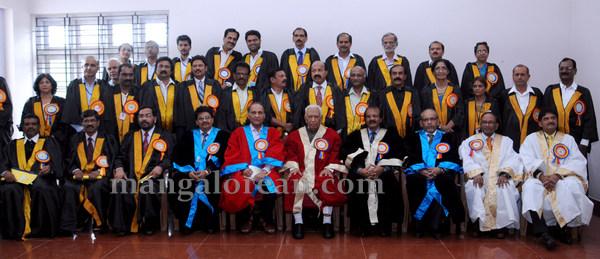 Mangalore_University_33rd_convocation-011