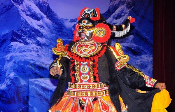 Yakshamitraru-dubai-13062015 (12)