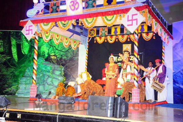 Yakshamitraru-dubai-13062015 (13)