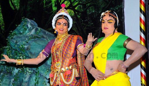 Yakshamitraru-dubai-13062015 (7)