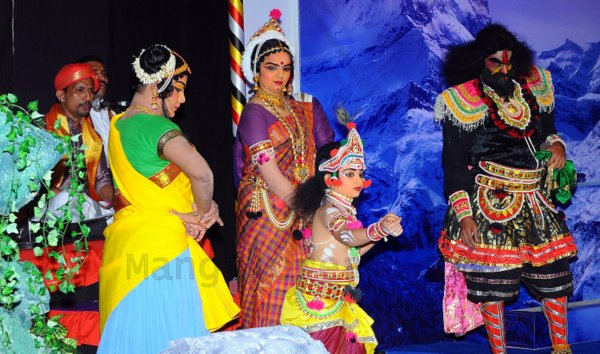 Yakshamitraru-dubai-13062015 (9)