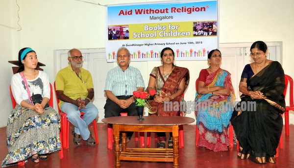 aid_without_religion-011
