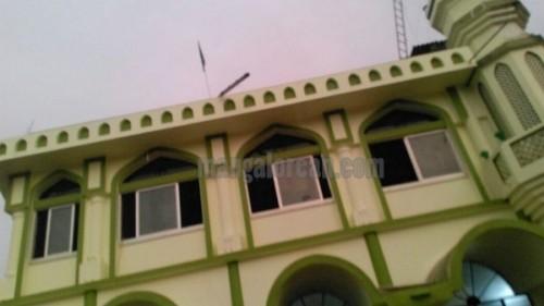 attack_mosque-003