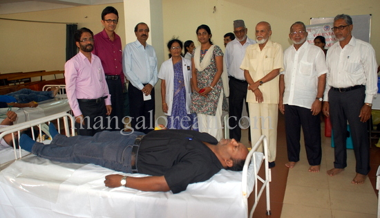 blood_donation_camp_mangalorean_20150219-010