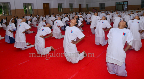 canara-internationalyoga-20150621-002