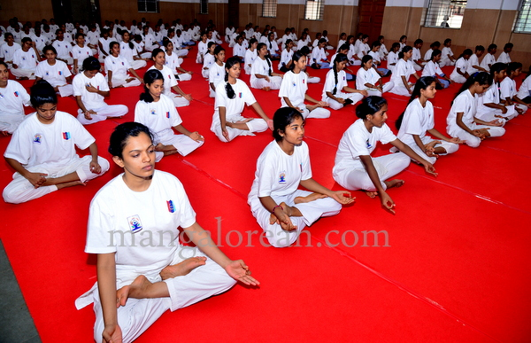 canara-internationalyoga-20150621-012