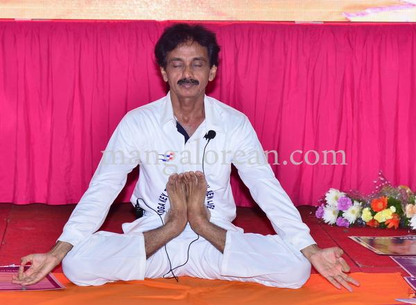 gopalkrishna-yoga-20150621