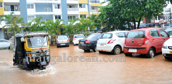 kmc_flood_20150615