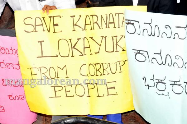 05-barassociations-protest-20150710-004