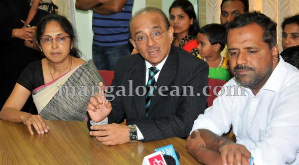 05-hearingmachine-minister-khader-004