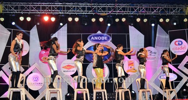 06-dance-mummy-dance-aloysius-005