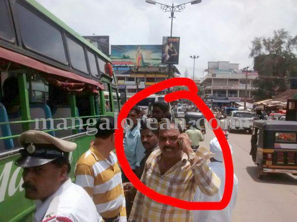 1-honking_Traffic_police