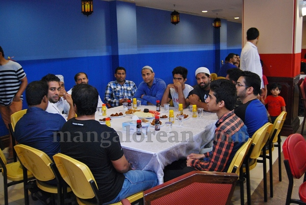 14-iftar_20150704-013
