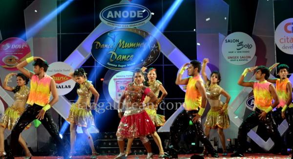 3-dnace-mummy-dance-001