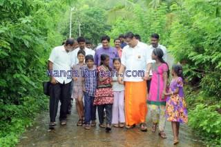 Oscar-Fernandes-visits Shasthavu-model-village-development-project (1)