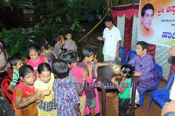 Oscar-Fernandes-visits Shasthavu-model-village-development-project (2)
