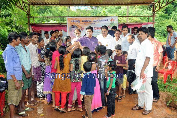 Oscar-Fernandes-visits Shasthavu-model-village-development-project (5)