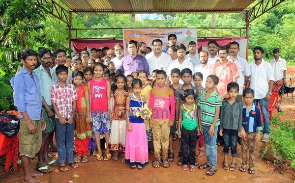 Oscar-Fernandes-visits Shasthavu-model-village-development-project (7)