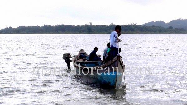 boat-capsize-pavoor-20150729 6016x3384-004