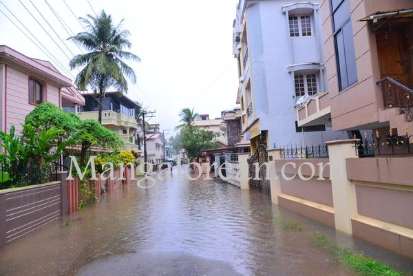 heavy-rains-floods (2)