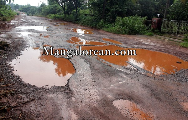 road-dirt-track (1)