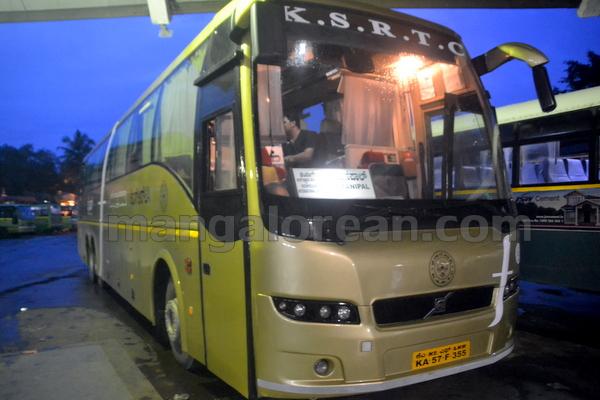 02-flybus-20150821-001