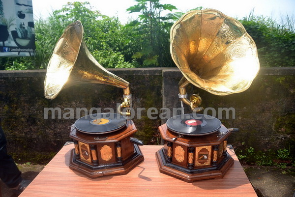 02-gramaphone-20150827-001