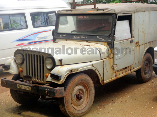02-junk-vehicle-20150803-001