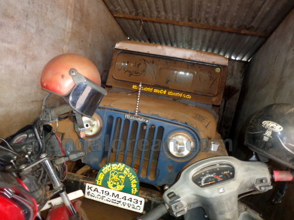 04-junk-vehicle-20150803-003