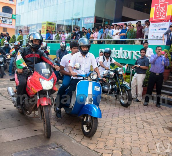 04-snehalaya-bikers-I-day-20150817-003