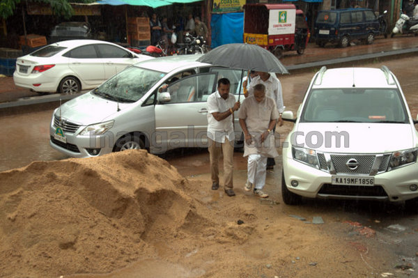 05-Bejai-market-inspection-m20150803-004