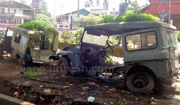 05-junk-vehicle-20150803-004