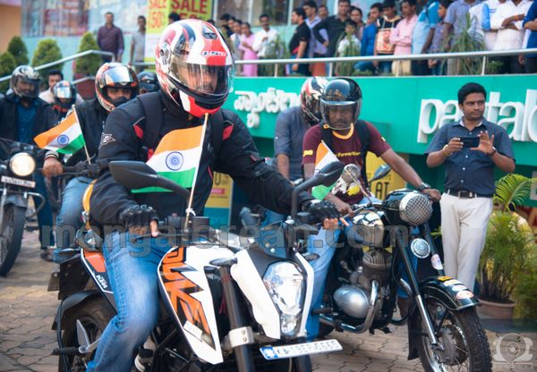 06-snehalaya-bikers-I-day-20150817-005