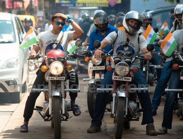 07-snehalaya-bikers-I-day-20150817-006