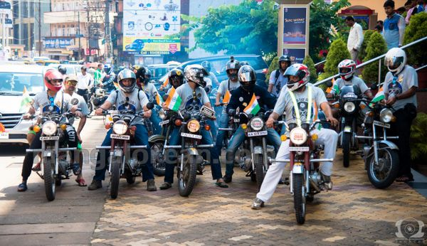 08-snehalaya-bikers-I-day-20150817-007