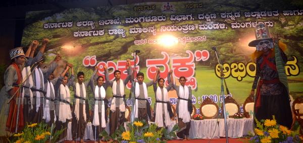 09-laksha-vriksha-20150810-008