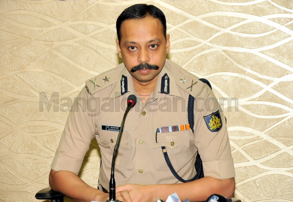 1-Commissioner-press-meet-26052015 (2)