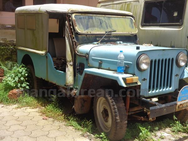 10-junk-vehicle-20150803-009