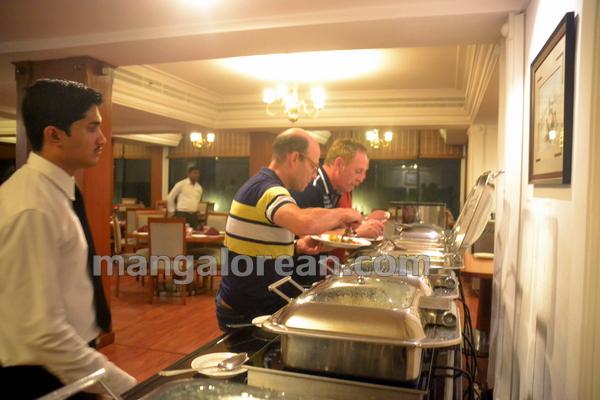 14-kandheshi-food-fest-20150815-013