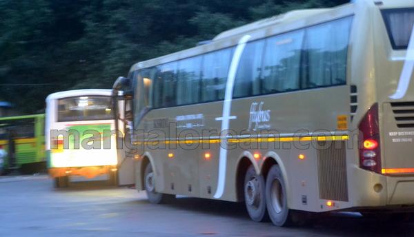 19-flybus-20150821-018