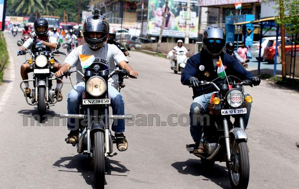 19-snehalaya-bikers-I-day-20150817-018