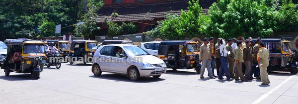 3-rickshaw-protest-002
