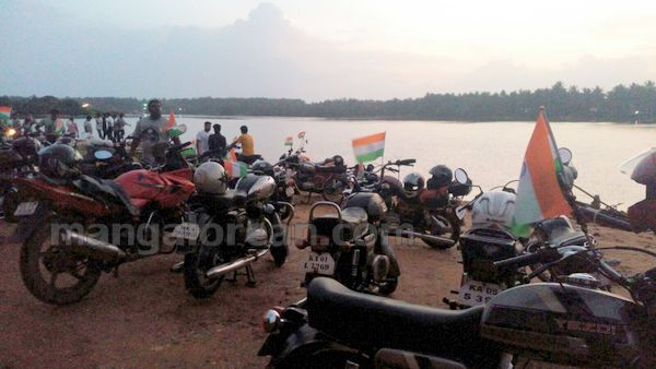 31-snehalaya-bikers-I-day-20150817-030